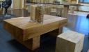 Mesa de roble construida con vigas de roble