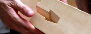 tocar-madera