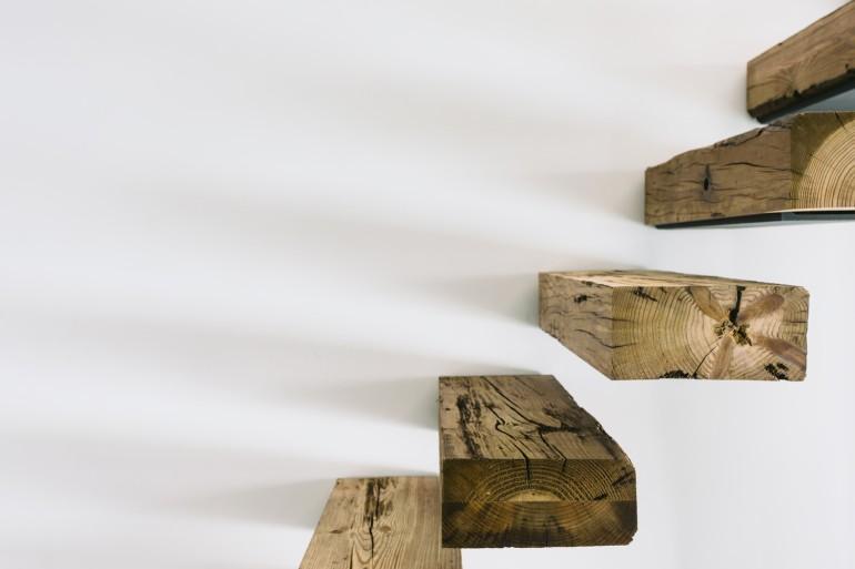 escalera vigas de madera